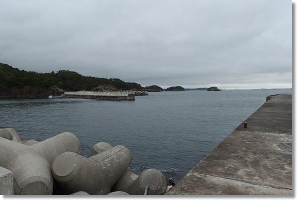 曇り空の奥松島室浜漁港