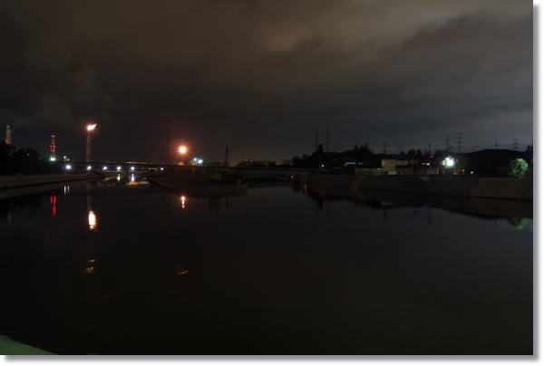 夜の貞山運河の風景
