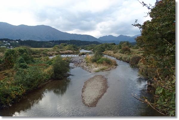 轟橋から見渡した荒雄川