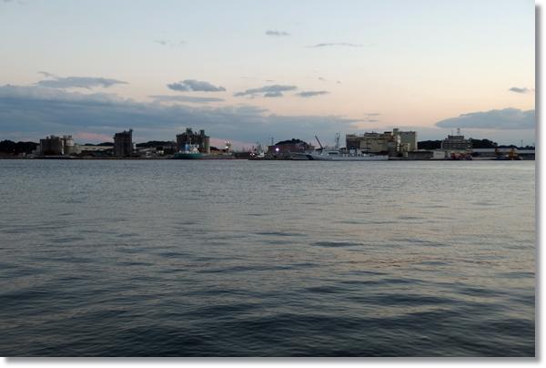 夕方の塩釜港