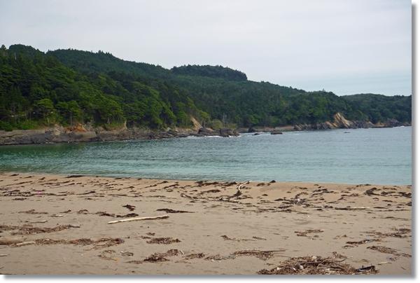 石巻雄勝の砂浜からの風景