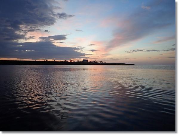 阿武隈川河口から見る朝焼け