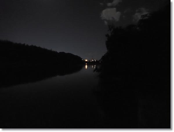 暗闇の名取川