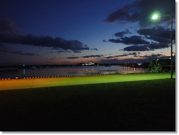 冬夜の閖上漁港