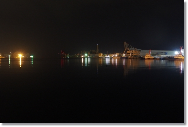 夜の仙台新港