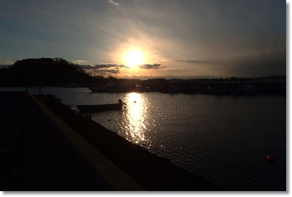 七ヶ浜漁港から見た夕焼け