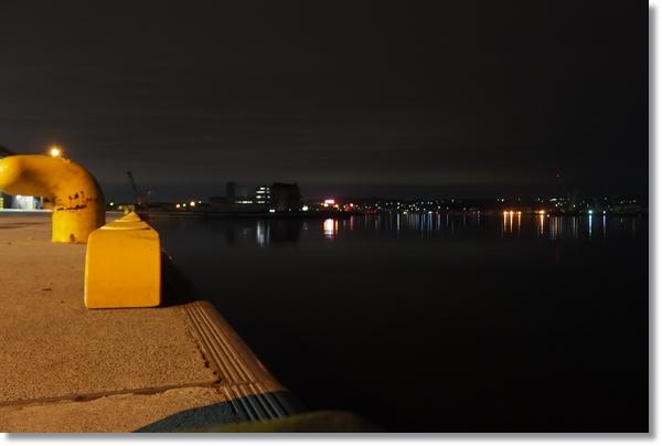 夜景が見える夜の塩釜港