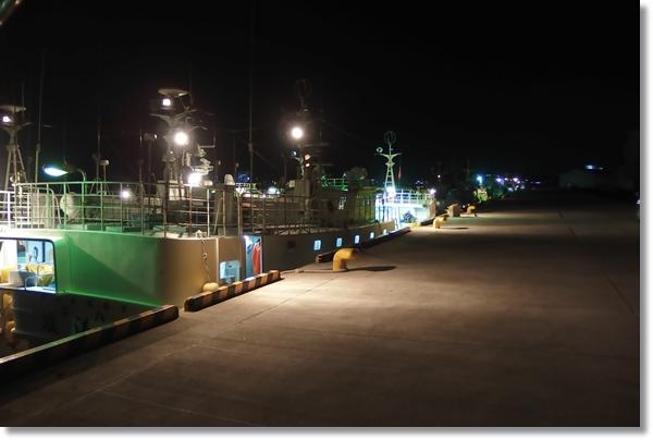 夜の塩釜港