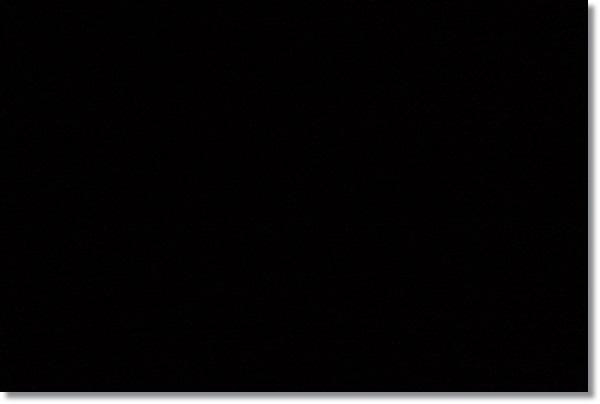 暗くて何が写っているか全く判らない写真